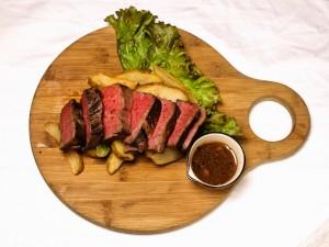 牛赤身肉ステーキ