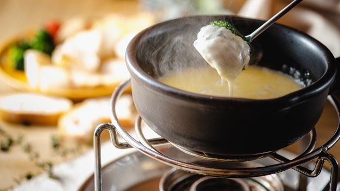 日祝限定!!スイス産チーズフォンデュ食べ放題